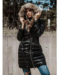 Дълго зимно дамско ефектно черно яке от лъскава материя с цип и качулка - код 1915