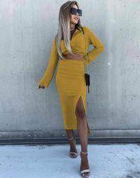 Ефектен дамски комплект къс топ с дълъг ръкав и пола с висока талия в цвят горчица - код 3978