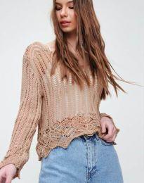 Екстравагантна къса дамска блуза от плетиво в цвят капучино - код 2744 - лице