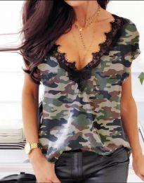 Дамска блуза с къс ръкав с остро деколте камуфлажна - код 4376