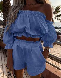 Атрактивен дамски сет топ с паданли рамене и къси панталонки в синьо - код 2730
