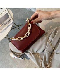 Дамска чанта в бордо с капак и метална дръжка - код B41