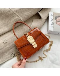 Дамска чанта в кафяво с лачен ефект змийска кожа - код B118